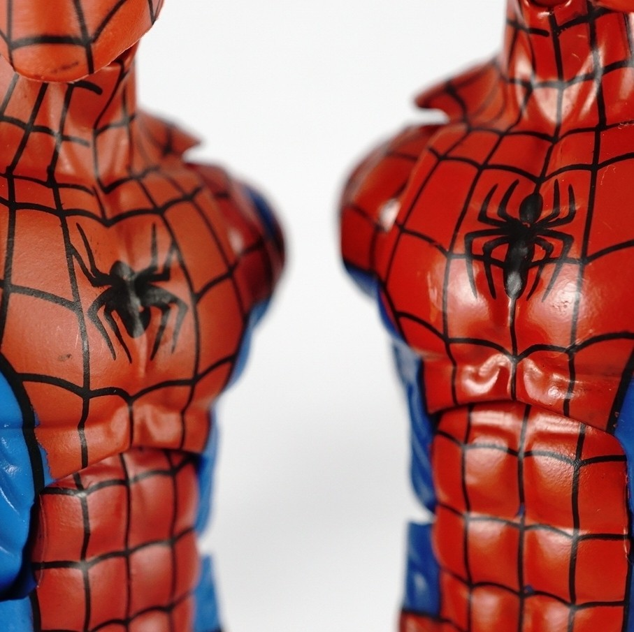 Marvel Legends - Spider-man (Vintage Wave) vs Spider-man (Hobgoblin BAF Wave)