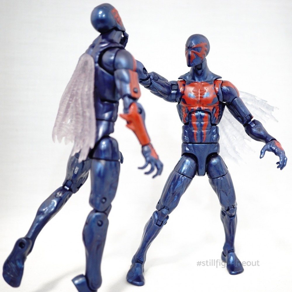 Marvel Legends - Hobgoblin BAF Wave Spider-man 2099 (Authentic vs KO)